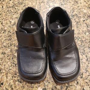 Boys 9W dress shoes